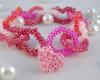 A chain of pink hearts