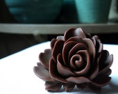 Rose resin plastic chocolate brown large rose on adjustable brass plated band ring