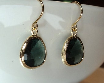 Green tourmaline GLASS and gold dangle earrings. Bridal earrings.  Bridesmaids earrings. Wedding earrings.  Everyday earrings.