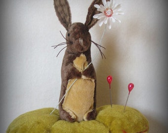 Little Bunny Pinkeep and Daisy Pincushion E-PATTERN by cheswickcompany