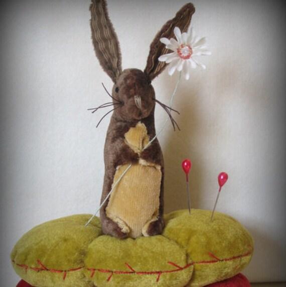 Little Bunny Pinkeep and Daisy Pincushion KIT by cheswickcompany