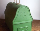 Vintage Dome Top Green Metal Star Lunchbox