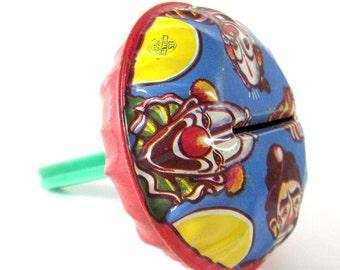 Vintage Clown Noisemaker Metal Shaker New Years Eve Novelty Party Toy - epsteam vestiesteam thebestvintage