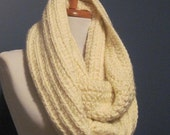 chunky cowl scarf,chunky scarf cowl,cowl chunky scarf,cowl scarf chunky,scarve scarf,crochet cowl scarf, Cream scarf ,ivory cowl