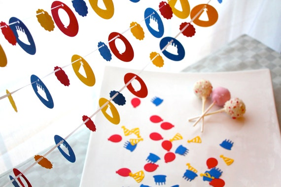 Birthday Cake, Balloons and Party Hats - Park Pack of 3 Garlands and 300 Pieces of Confetti