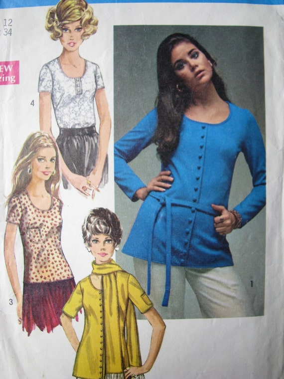 ON SALE Vintage 70s Sewing Pattern Miss Shirt Blouse with Scarf and Belt Simplicity 8697