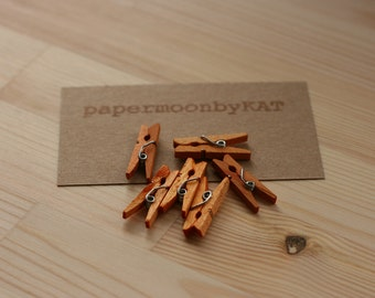 SeAsOnAL SaLe mini wood clothespins TanGeriNe x24 wood clothespins for crafting, scrapbooking, gift wrap