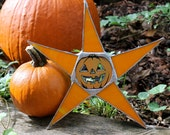 Jack-O-Star-stained glass Halloween star with lacquered jack-o-lantern center
