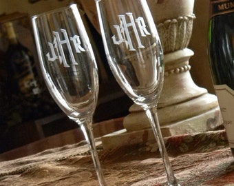 Connoisseur Champagne Flutes with Custom Monogram, Set of 2