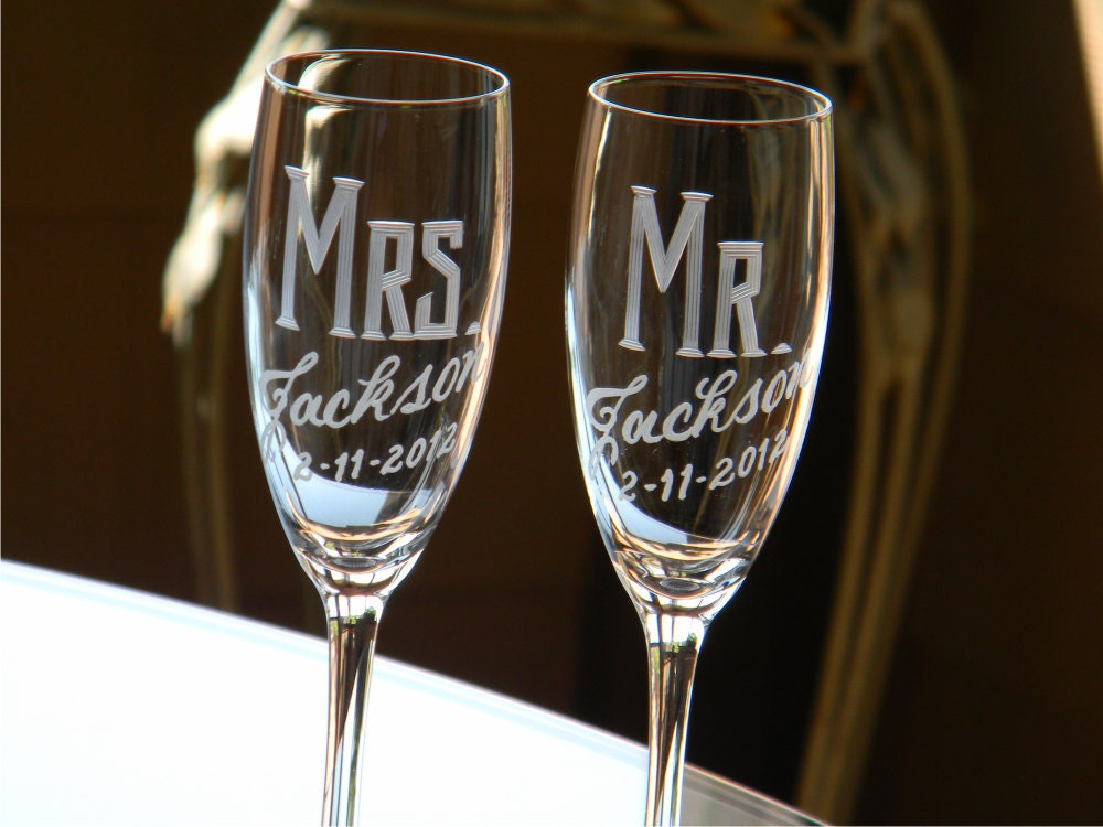 personalized wedding mr mrs champagne flutes set of 2