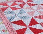KIT, Pinwheel Baby Quilt