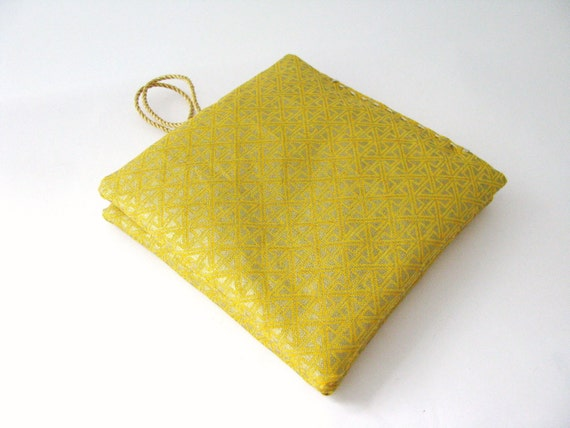 modern lavender sachets - set of 2x lavender sachets - yellow sachets - hostess gift - housewarming gift - aromatherapy - pure lavender