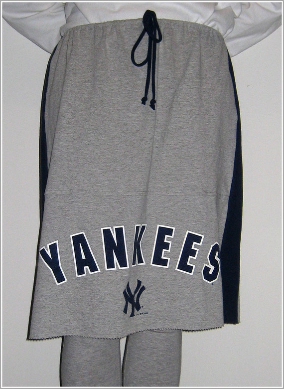 New York Yankees T Shirt Skirt For Her / Straight / UpCycled Tees / Navy Blue Heather Gray / Girls / Teens / OOAK / Baseball / by ohzie