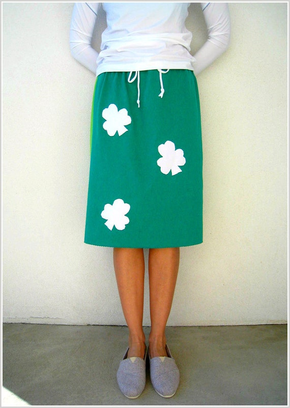 Falling Four Leaf Clovers T Shirt Skirt / Upcycled Tees / Emerald Lime Green / Knee Length / Straight / Cotton / Drawstring / by ohzie