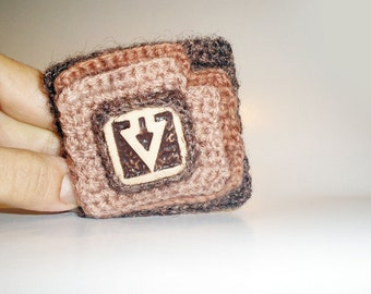 Crochet Brooch Squares, Arrow Brooch, Bohemian Brooch Earth Brown Tones, Fiber Art Crochet Ceramic Brooch
