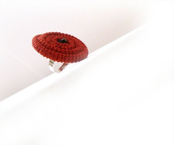 Crochet Ring Coiled Tube, Wine Red Ajustable Poppy ring