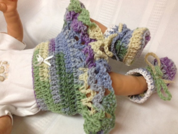 Newborn Crocheted Skirt and Boots, Baby Girl Tutu Skirt and Boots, 0-3 months