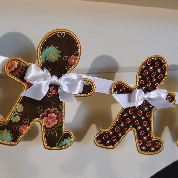 "Gingerbread Man Banner Machine Embroidery Design Applique Patterns all done In The Hoop 2 variations 4 sizes 4"", 5"", 6"" and 7"""