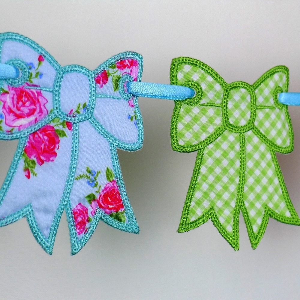 Bow bunting in the hoop project machine embroidery design