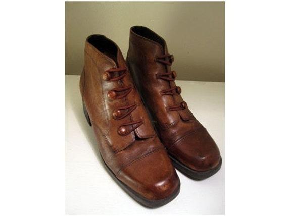 STUDIO Vintage Button Front Ankle Boots