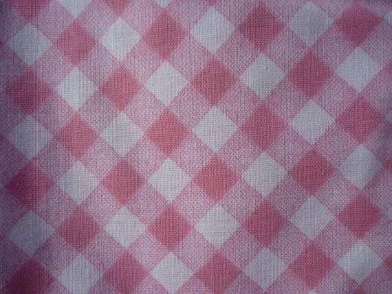V159 Vintage Sheet Fat Quarter Pink Gingham