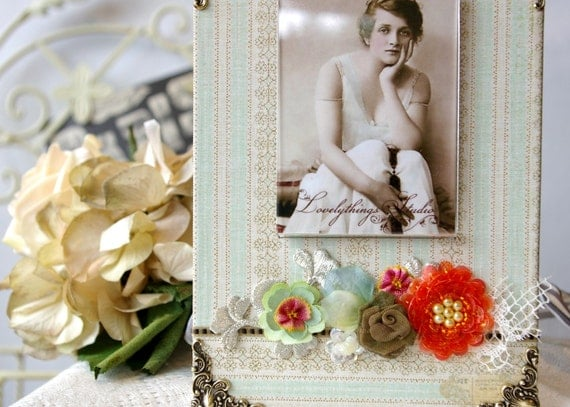 Handmade Photo Frame, Spring style, floral, decorative picture frame assemblage, for your photo