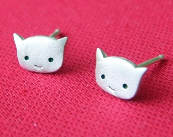 Cute cat studs in sterling silver kitty stud earrings - Christmas gift for her gift for girl - gift for catlover
