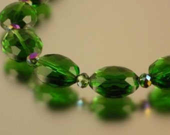 Dark Green Oval Crystal Necklace