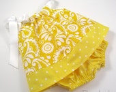 Infant Dress and Bloomers Outfit - Sunny Yellow and Crisp White - in Size Newborn or 6 Months - dreambirds