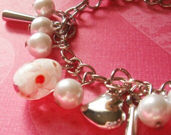 Hearts Pearl and Glass Bead Bracelet