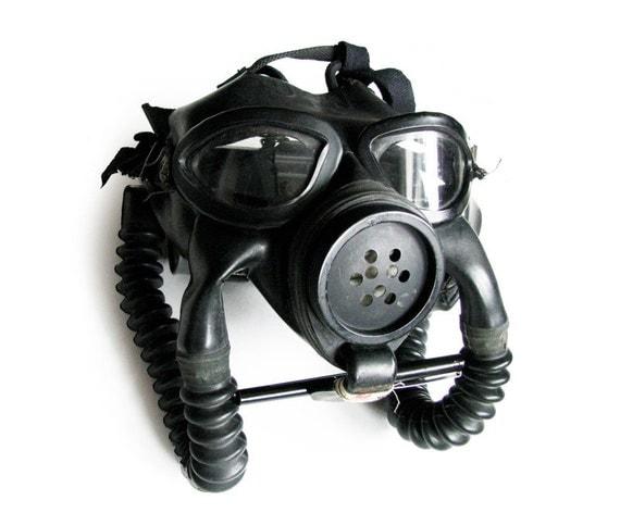 US WWII Navy Mark III Gas Mask
