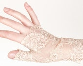 Lace fingerless gloves Ivory white glovettes Wedding gloves Tribal fusion Steampunk