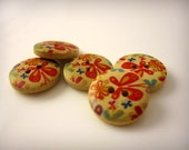5 x Wooden Buttons with Butterfly Pattern 15mm for Jewellery and Craft Projects by Treasures In Measures