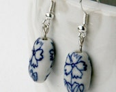 Delfts blue flower earrings