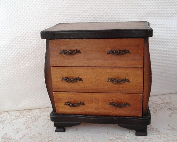 "Rsvd mumuv1 Vintage JAPAN Solid Wood Music Jewelry Chest - ""Theme From Love Story"" - Sewing - Crafts - Keekpsakes - 1960"