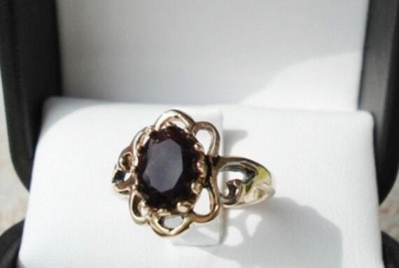 Vintage Seta Gold And Garnet Ring Signed Size 5