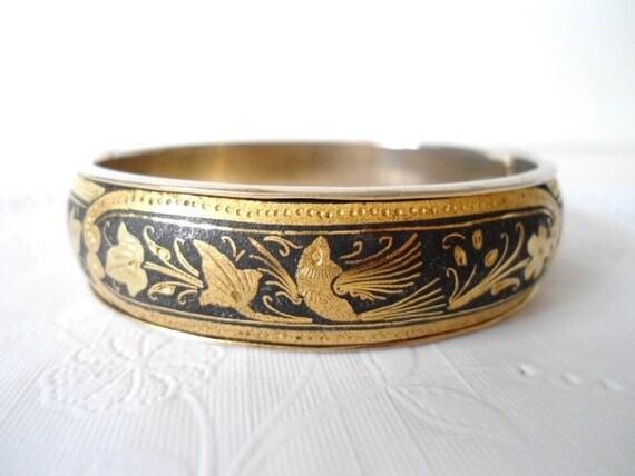 Vintage  Damascene Etched Bird of Paradise Hinged Bracelet - Bangle - Black & Gold - 1950