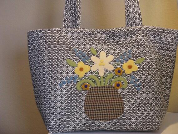 Black Damask Flower Vase Tote Bag