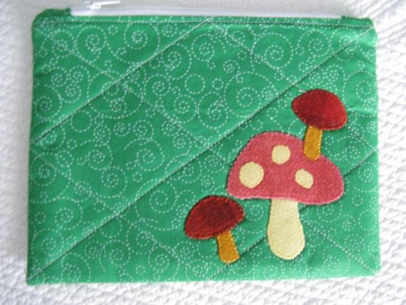 Mushroom Zipper Bag