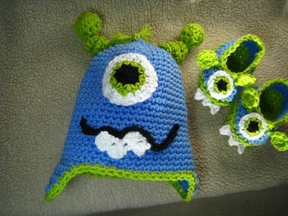Crochet pattern - monster hat, baby pattern, baby monster booties, slippers, baby shoes, and infant to adult monster hat, PDF format