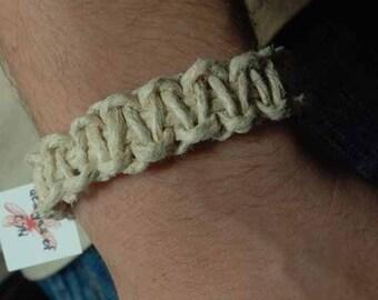 simple hemp bracelet