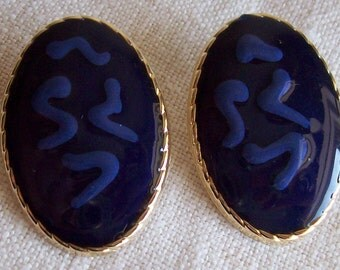 Earrings Pierced Oval Blue and Gold Tone Enamel Squiggle Retro 1980's Metal Chunky Vintage Mod Destash Gift for Her Mom Grandmother