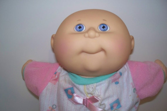 Vintage Dolls - Cabbage Patch Dolls 1991 Baby Cabbage Patch Doll.