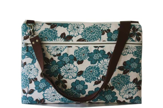 "15"" Macbook or Laptop bag with zipper pocket and detachable shoulder strap -Kimono floral in blue -Ready to ship"