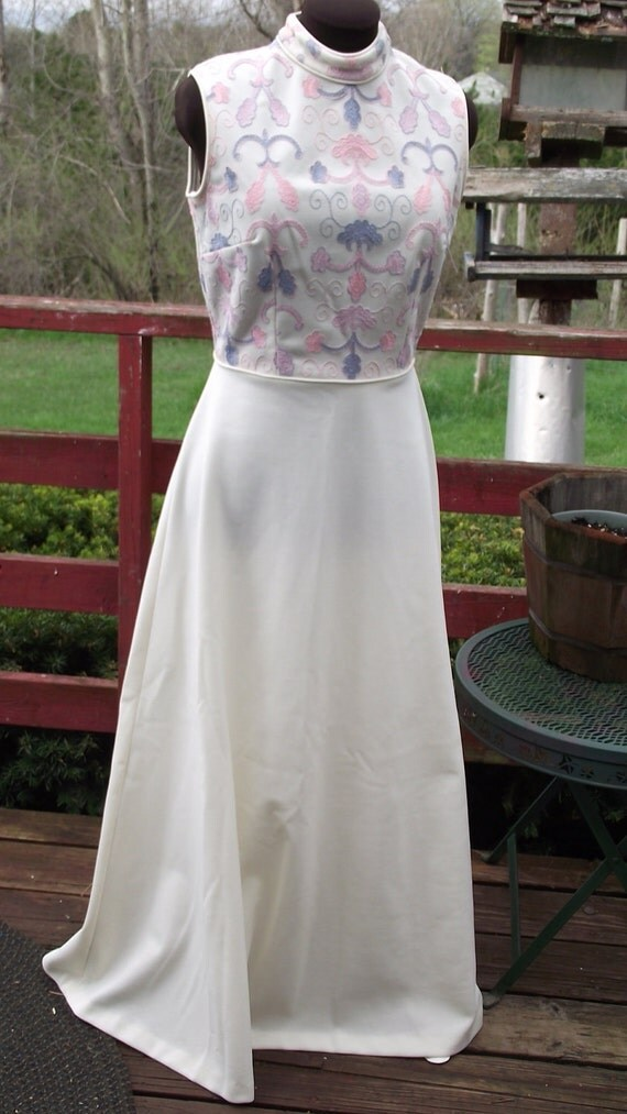 1970s Vicky Vaughn Formal Dress-Embroidered Bodice-Cream