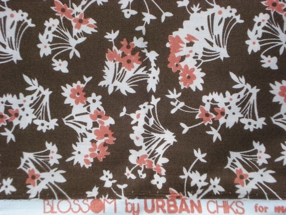 SALE : Urban Chiks Blossom Daisies in Bark FQ or more
