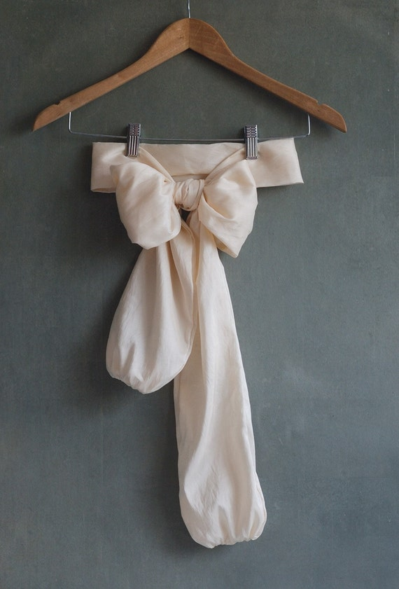 Cream taffeta bow belt