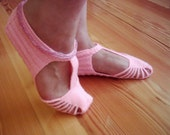 Custom order for Cappy - 2 pairs Knitted women slippers