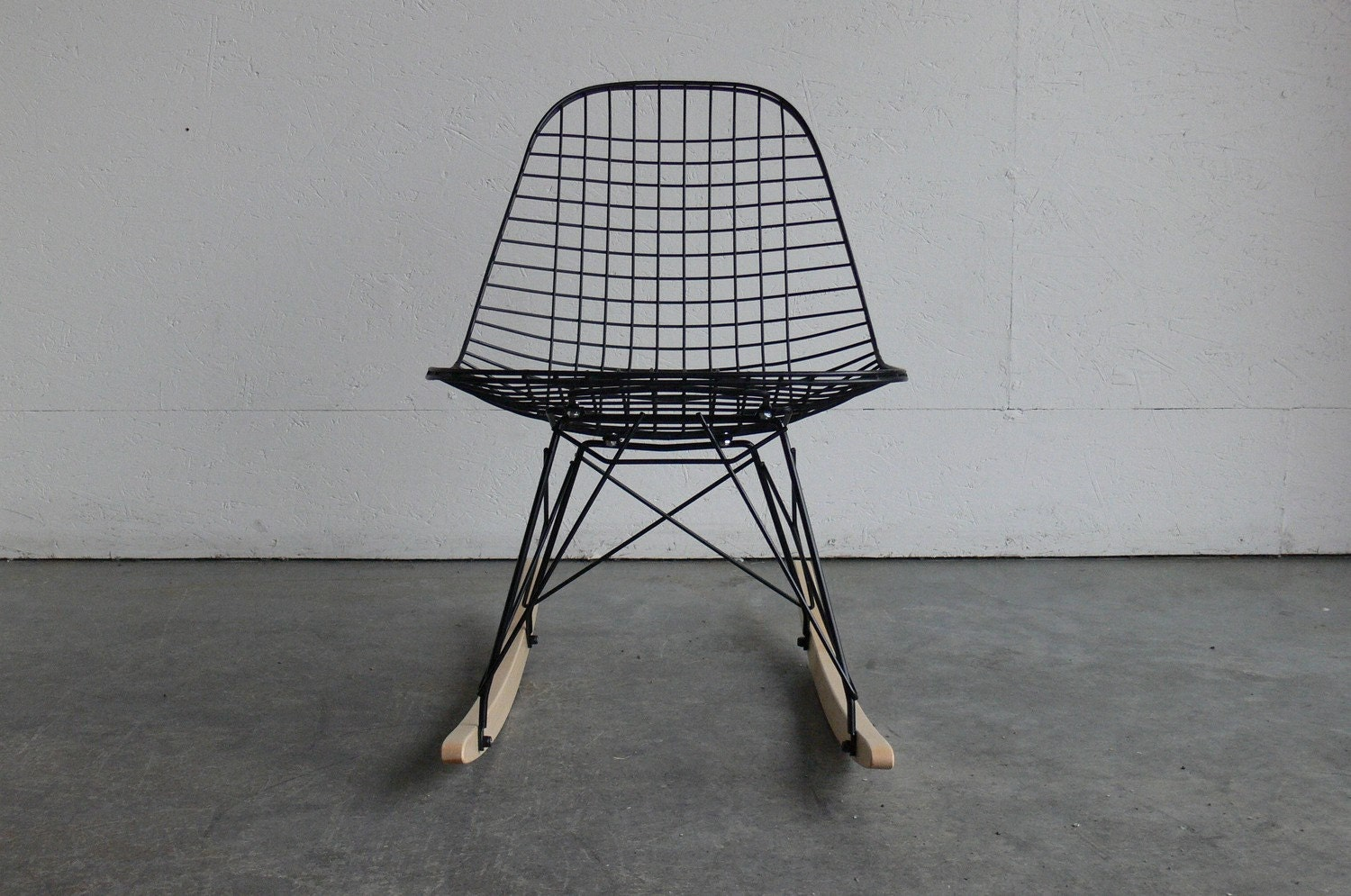 herman miller eames wire chair. Black Bedroom Furniture Sets. Home Design Ideas
