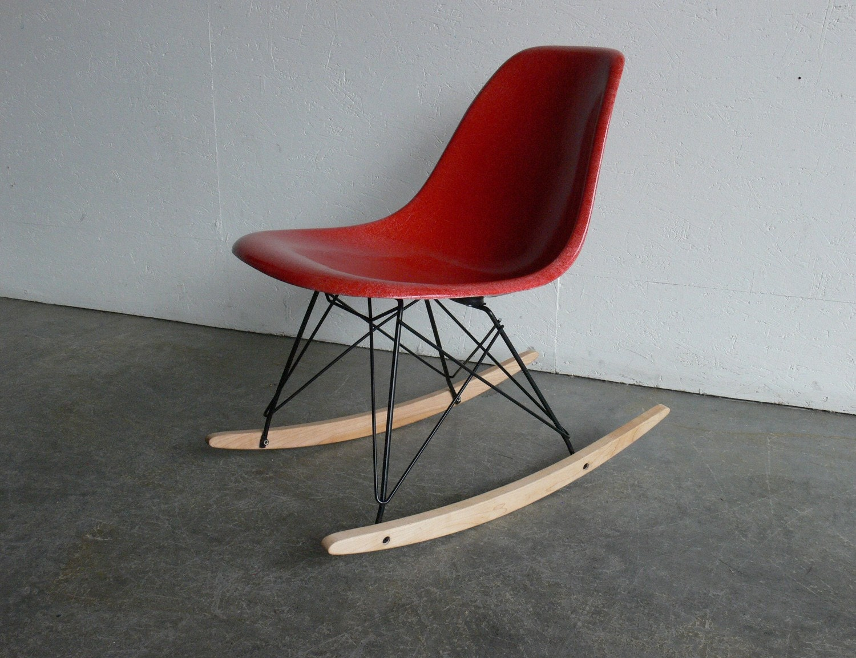herman miller eames fiberglass side chair rocker. Black Bedroom Furniture Sets. Home Design Ideas